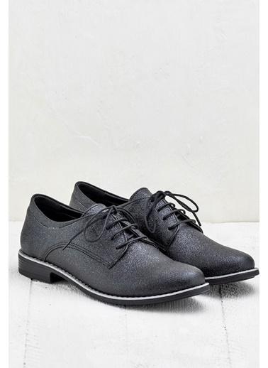 Bağcıklı Klasik Ayakkabı-Elle